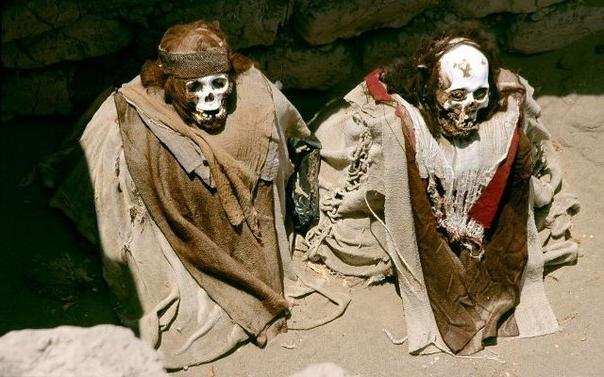 Перу. Сидячее кладбище Чаучилла