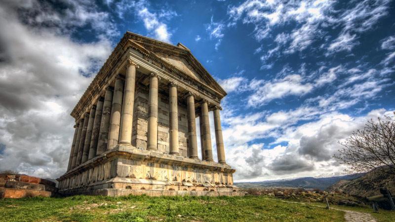 Экскурсионные туры в Армению: Храм Гарни