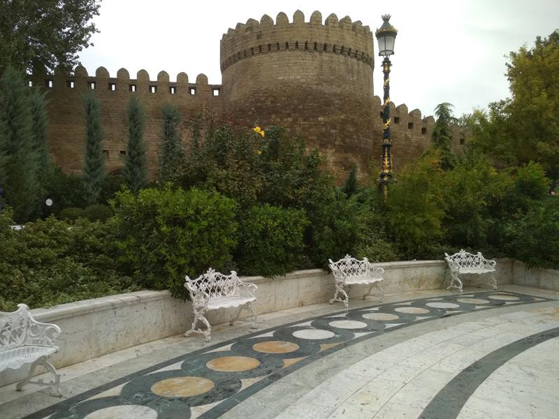Офицерский парк в Баку