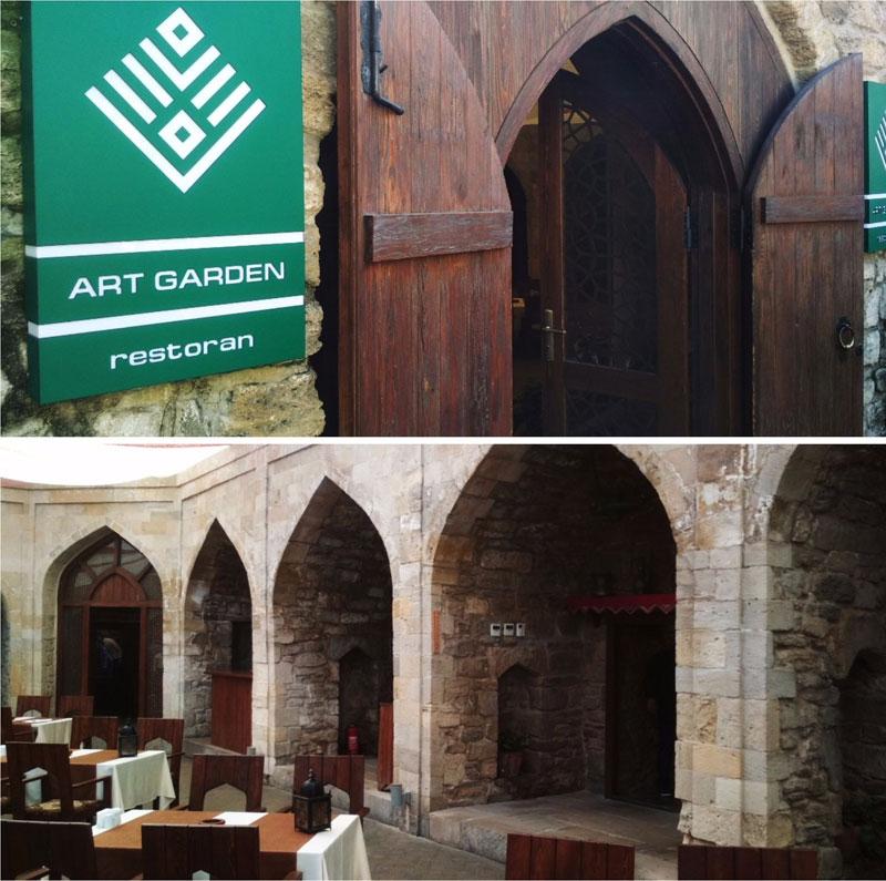 Ресторан Арт Гарден в помещении старинного Кервансарая в Баку
