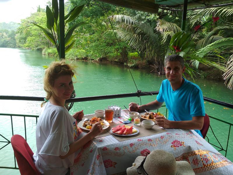 Круиз по реке Лобок с обедом