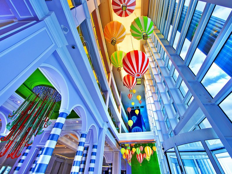 В холле отеля RIXOS THE LAND OF LEGENDS KINGDOM HOTEL 5*