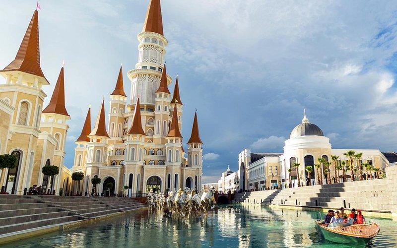 Парк развлечений RIXOS THE LAND OF LEGENDS THEME PARK в Турции