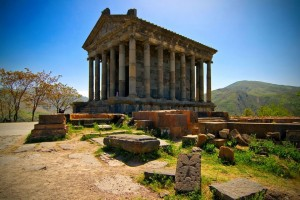храм Гарни