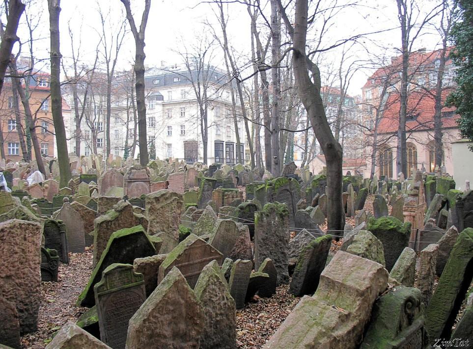 Прага. Кладбище еврейского квартала Йозефов