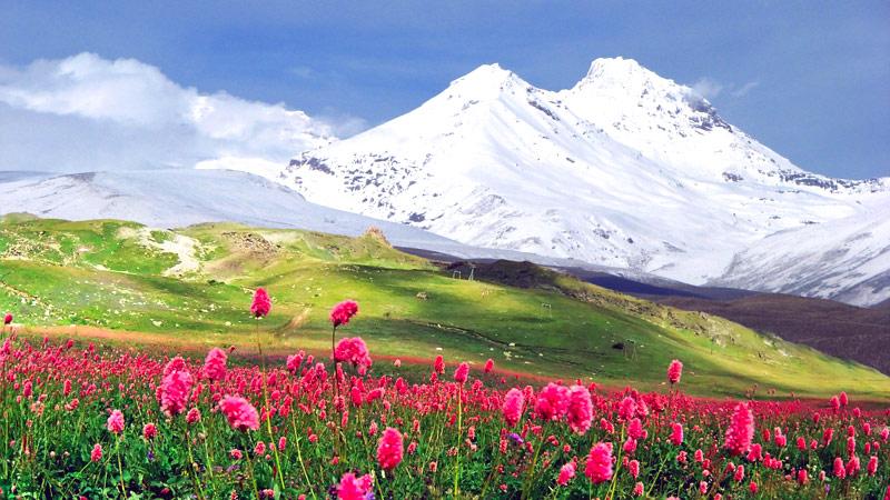 Армения приглашает гостей. Армения на Майские праздники 2017