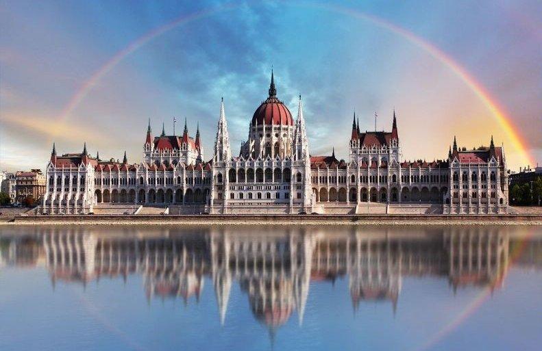 Будапешт - столица Венгрии. Парламент. Дунай